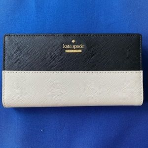 Kate Spade Large Slim Bifold Wallet Black/ Pebble